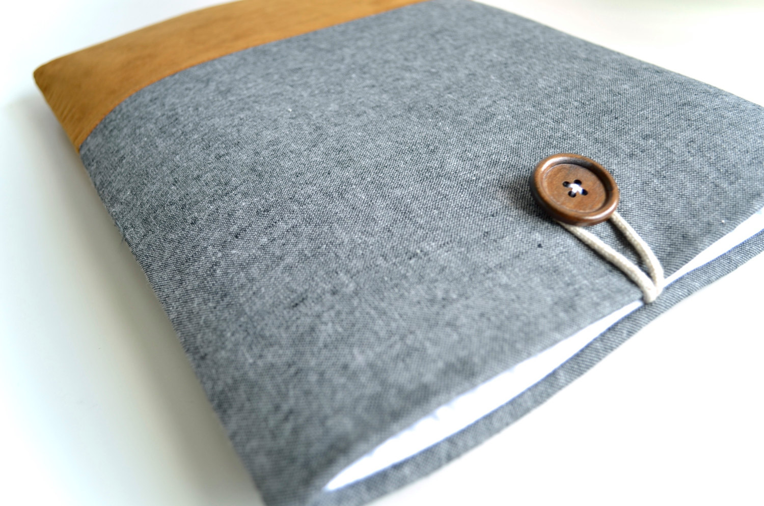 Elegant Linen Laptop Sleeve